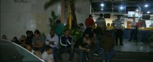 Capangas contratados para tumultuar a eleição em frente à DP da Lapa.