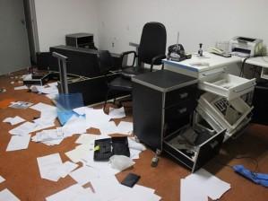 Os 8 andares do sindicato foram depredados por capangas contratados para tumultuar a eleição.